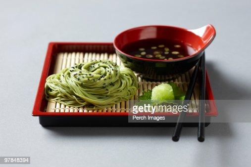 cold soba noodles or zarusoba : ストックフォト