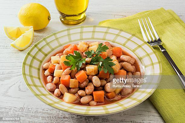 cold white beans vinaigrette
