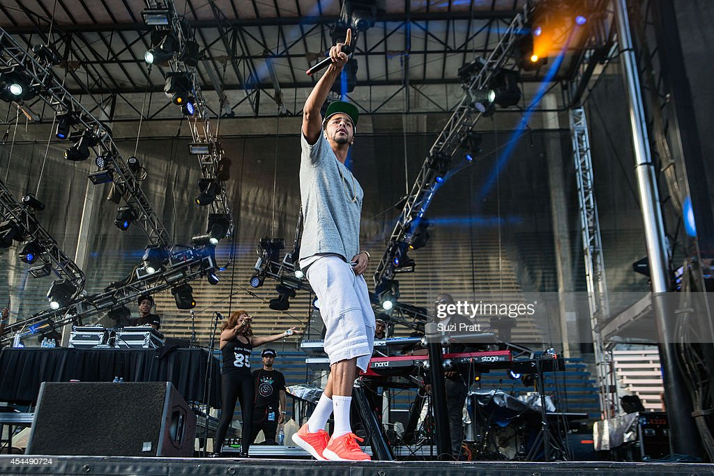 <a gi-track='captionPersonalityLinkClicked' href=/galleries/search?phrase=J.+Cole&family=editorial&specificpeople=5958978 ng-click='$event.stopPropagation()'>J. Cole</a> performs at the Bumbershoot Music and Arts Festival on September 1, 2014 in Seattle, Washington.