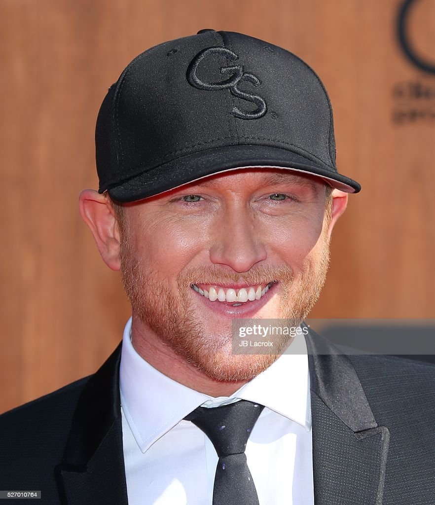 <a gi-track='captionPersonalityLinkClicked' href=/galleries/search?phrase=Cole+Swindell&family=editorial&specificpeople=11613741 ng-click='$event.stopPropagation()'>Cole Swindell</a> attends the 2016 American Country Countdown Awards at The Forum on May 1, 2016 in Inglewood, California.