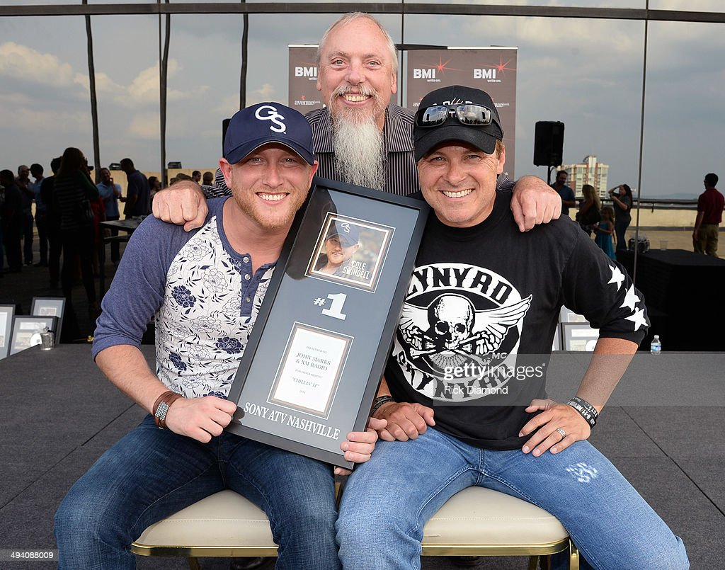 Cole Swindell John Marks SiriusXM and cowriter Shane Minor Celebrate Cole Swindell's First No1 Song 'Chillin' It' at BMI Nashville on May 27 2014 in...