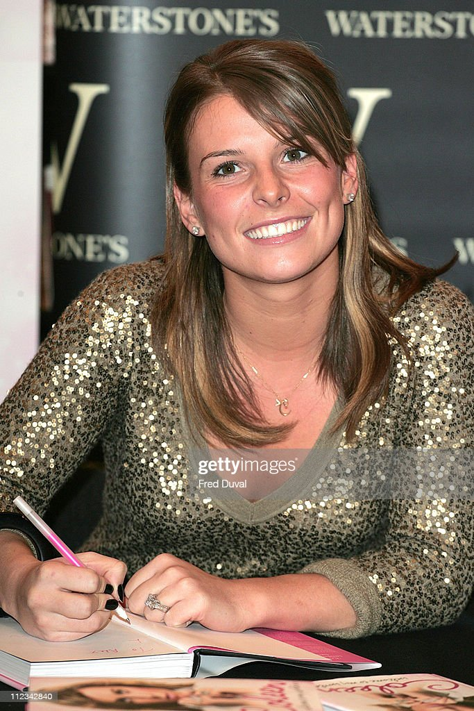 """Coleen McLoughlin Signs Copies of Her Book """"Welcome To My World"""" - March 8, 2007"""