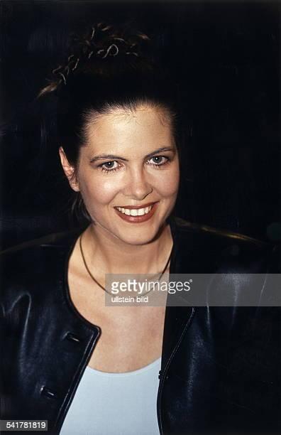 COLFernsehmoderatorin D Porträt November 1998