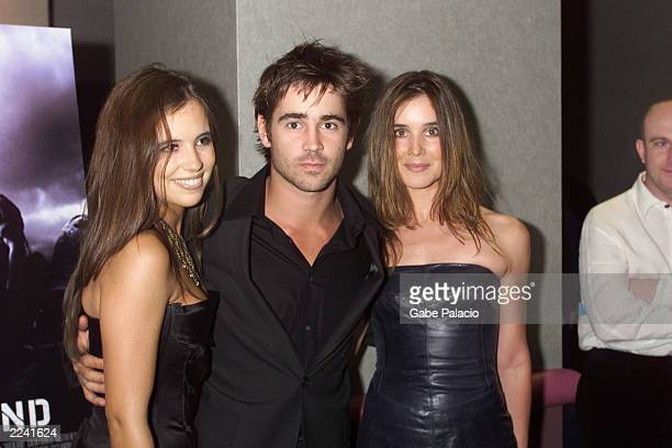 Colin Farrell surrounded by sisters Claudine and Catherine at the screening of Tigerland at the Union Square Theater in NYC on 9/18/00