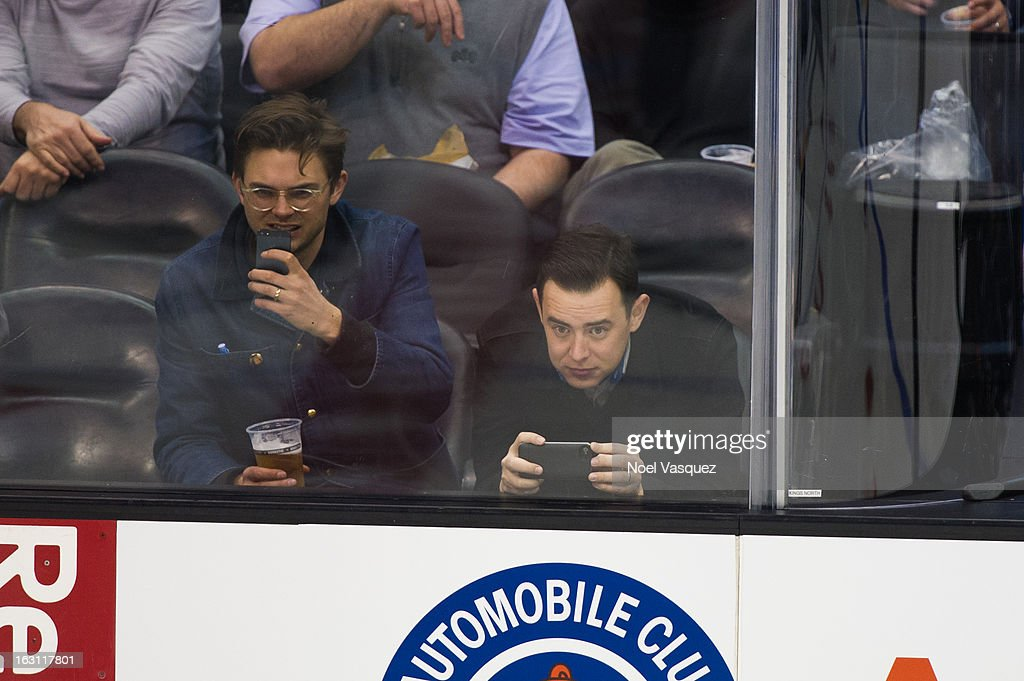 Colin Hanks attends a hockey game between the Nashville Predators and Los Angeles Kings at Staples Center on March 4, 2013 in Los Angeles, California.