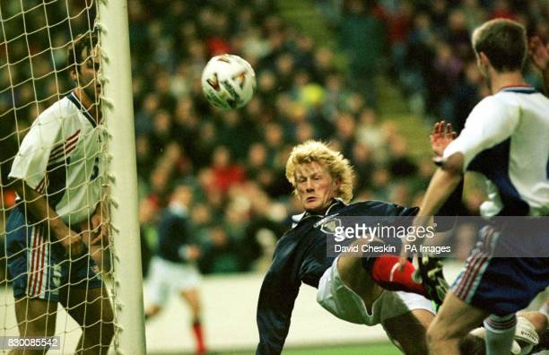 Colin Hendry narrowley misses the target during Scotlands Euro 2000 Qualification game against the Faroe Islands at the Pitodrie stadium in Aberdeen...