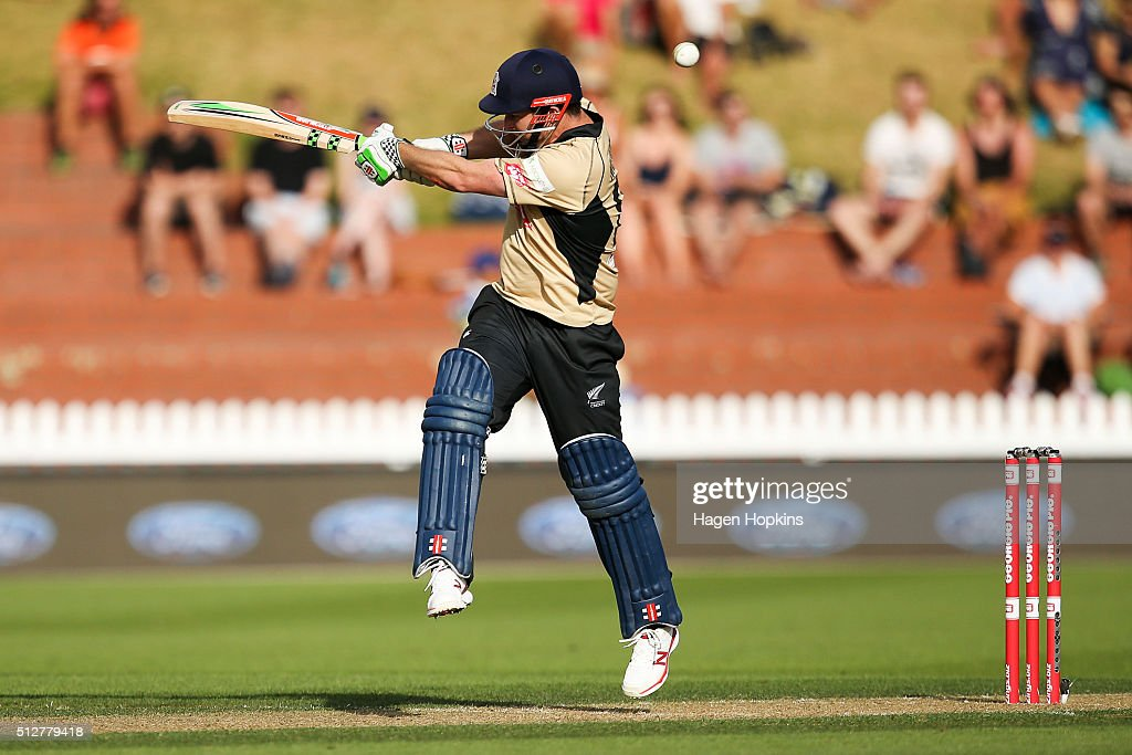 <a gi-track='captionPersonalityLinkClicked' href=/galleries/search?phrase=Colin+Munro&family=editorial&specificpeople=5037359 ng-click='$event.stopPropagation()'>Colin Munro</a> of North Island bats during the Island of Origin Twenty20 at Basin Reserve on February 28, 2016 in Wellington, New Zealand.
