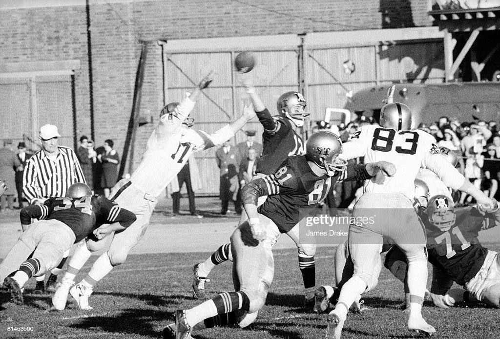 Navy QB Roger Staubach in action vs Army, Philadelphia, PA 12/1/1962