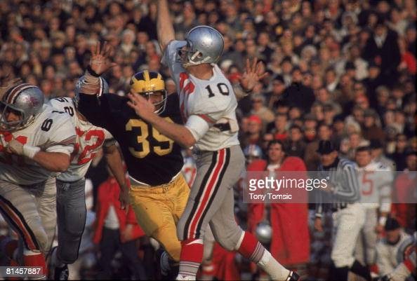 coll-football-ohio-state-qb-rex-kern-in-