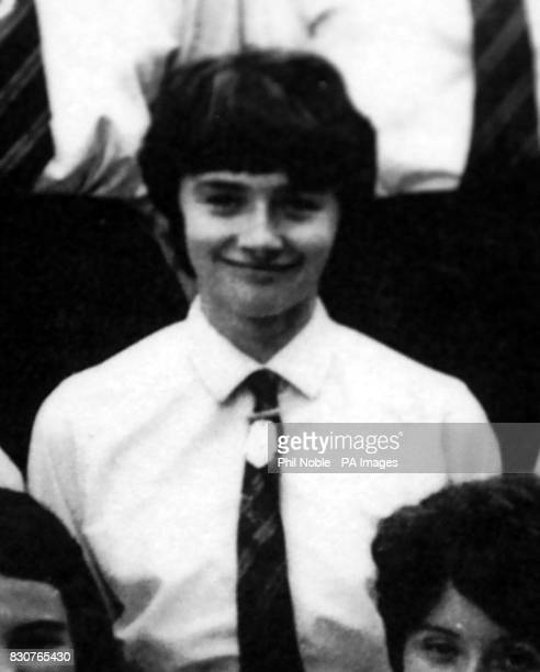Collect picture of Education Secretary Estelle Morris as a pupil of Whalley Range High school Manchester in 196970 26/11/01 Morris visited her former...