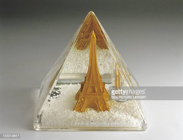 Collecting Snowglobes France Paris Pyramidal Shaped Penholder Plastic
