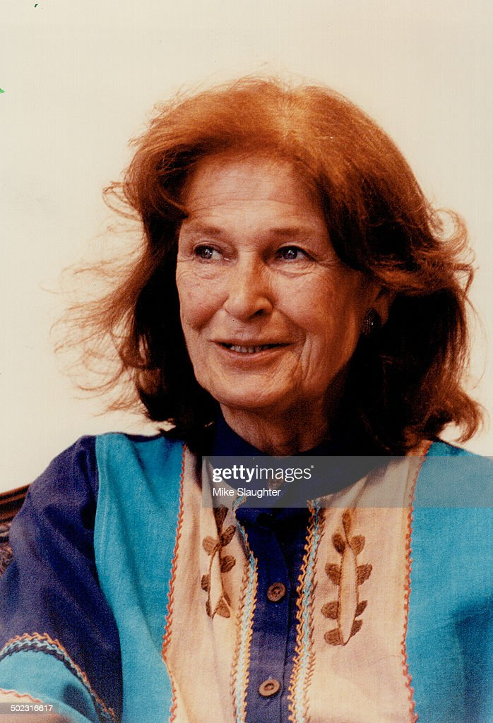 colleen dewhurst net worth