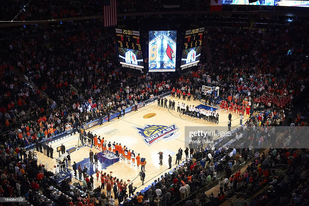 Aerial view of Madison Square Garden before Louisville vs Syracuse before Finals game. Porter Binks F136 )