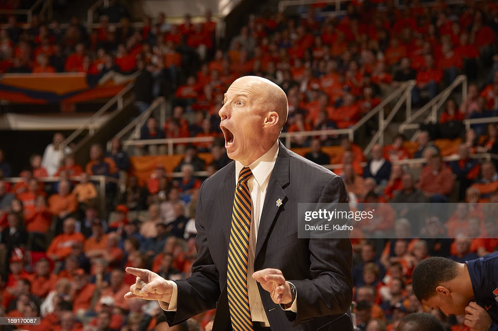 Illinois coach John Groce during game vs Ohio State at Assembly Hall. David E. Klutho F134 )