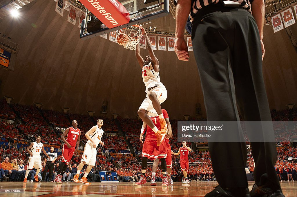 Illinois Nnanna Egwu (32) in action, dunking vs Ohio State at Assembly Hall. David E. Klutho F138 )