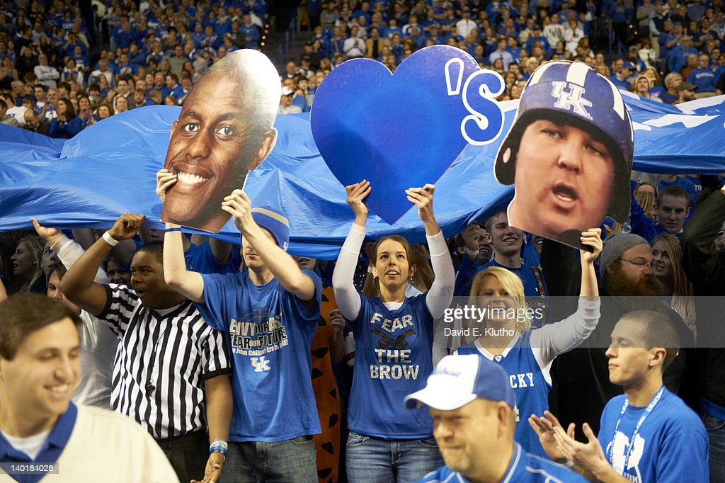 Kentucky fans in stands during game vs Vanderbilt at Rupp Arena. David E. Klutho F4 )