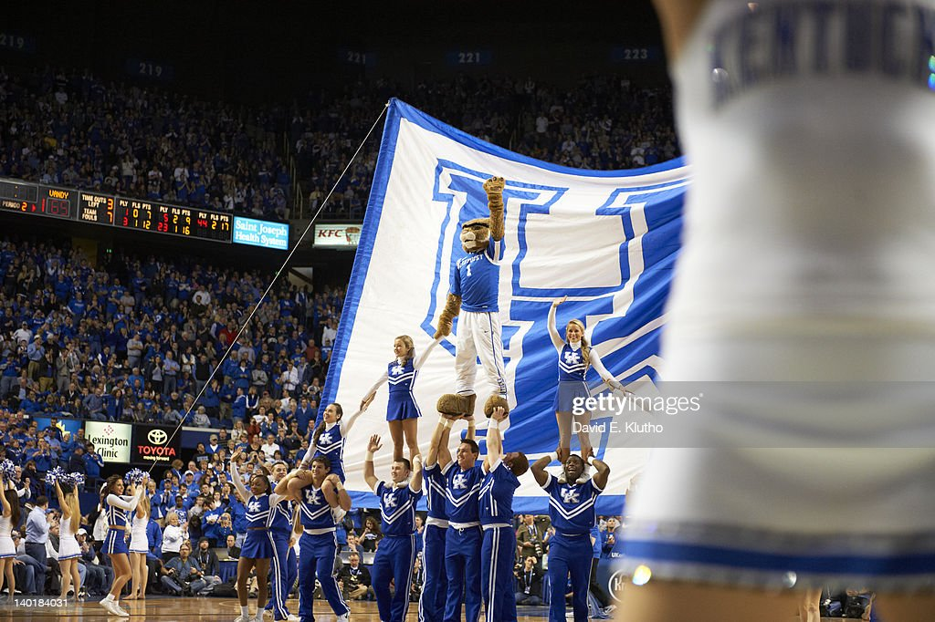 Kentucky Wildcats mascot The Wildcat with big blue brow and cheerleaders during game vs Vanderbilt vs Vanderbilt at Rupp Arena. David E. Klutho F144 )