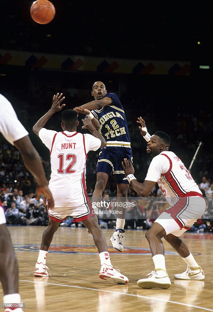 Georgia Tech <a gi-track='captionPersonalityLinkClicked' href=/galleries/search?phrase=Kenny+Anderson+-+Basketballer&family=editorial&specificpeople=202155 ng-click='$event.stopPropagation()'>Kenny Anderson</a> (12) in action, passing vs UNLV Anderson Hunt (12) and Moses Scurry (35) at McNichols Sports Arena. David E. Klutho F37 )
