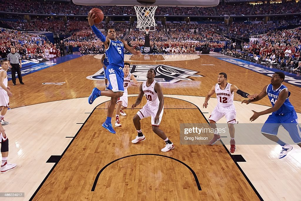 Kentucky Andrew Harrison (5) in action vs Wisconsin at AT&T Stadium. Greg Nelson X158052 TK1 R27 F124 )