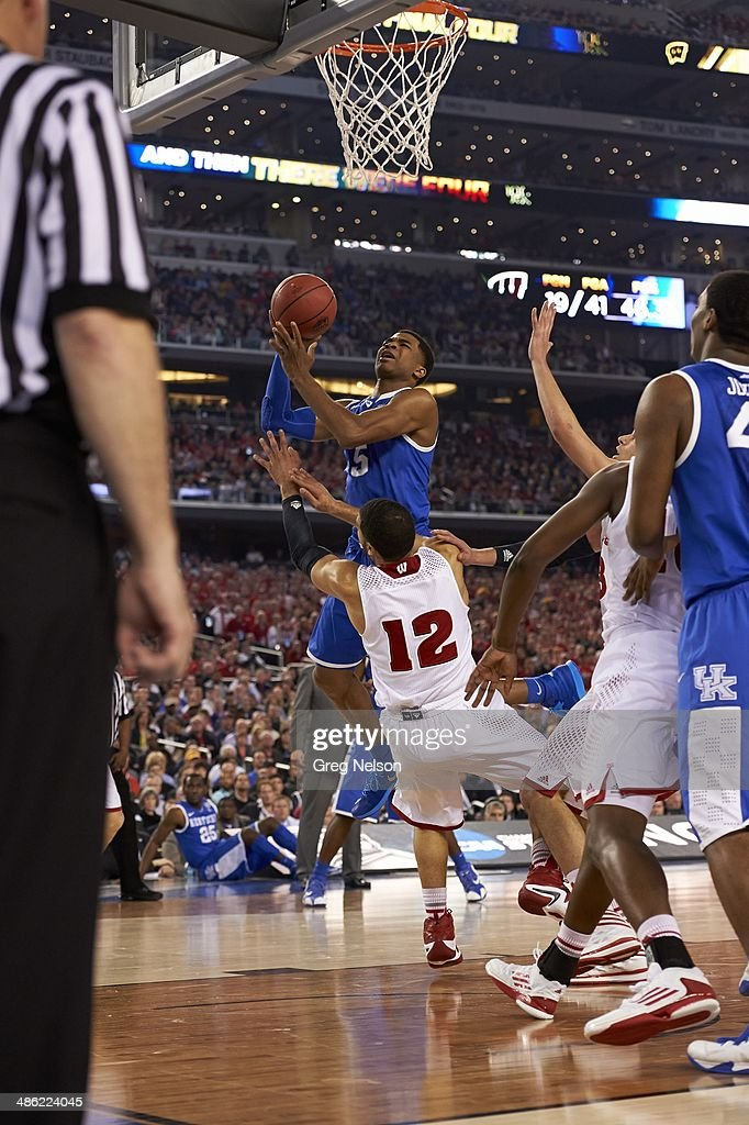 Kentucky Andrew Harrison (5) in action vs Wisconsin at AT&T Stadium. Greg Nelson X158052 TK1 R7 F110 )