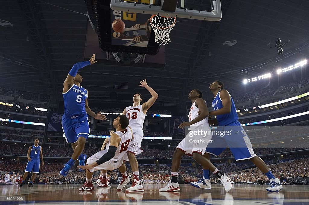 Kentucky Andrew Harrison (5) in action vs Wisconsin at AT&T Stadium. Greg Nelson X158052 TK1 R6 F46 )