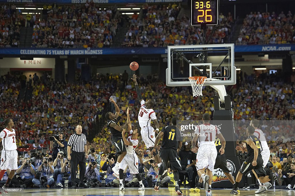 Louisville Gorgui Dieng (10) in action, block vs Wichita State at Georgia Dome. David E. Klutho X156343 TK1 R2 F57 )