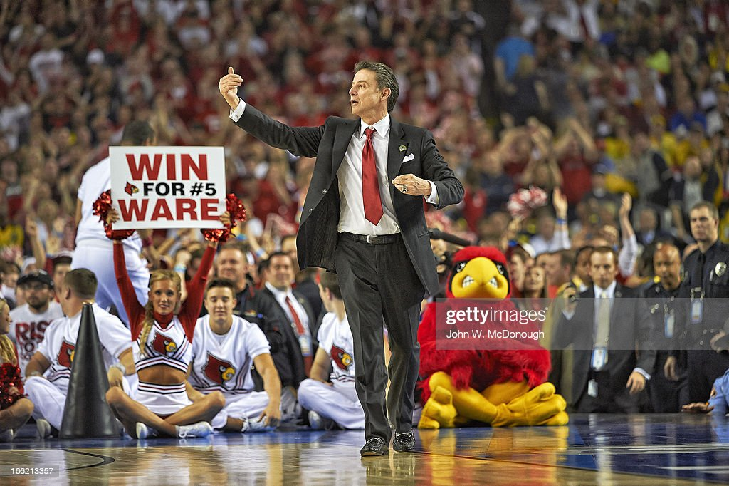 Louisville head coach Rick Pitino during game vs Michigan at Georgia Dome. John W. McDonough X156382 TK1 R29 F36 )