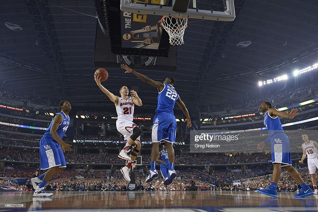 Wisconsin Josh Gasser (21) in action vs Kentucky at AT&T Stadium. Greg Nelson X158052 TK1 R5 F7 )