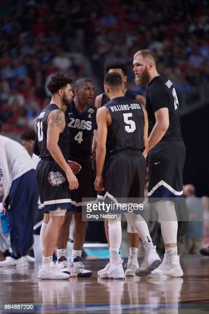 NCAA Finals Gonzaga Nigel WilliamsGoss Josh Perkins Jordan Mathews Johnathan Williams and Przemek Karnowski in huddle during game vs North Carolina...
