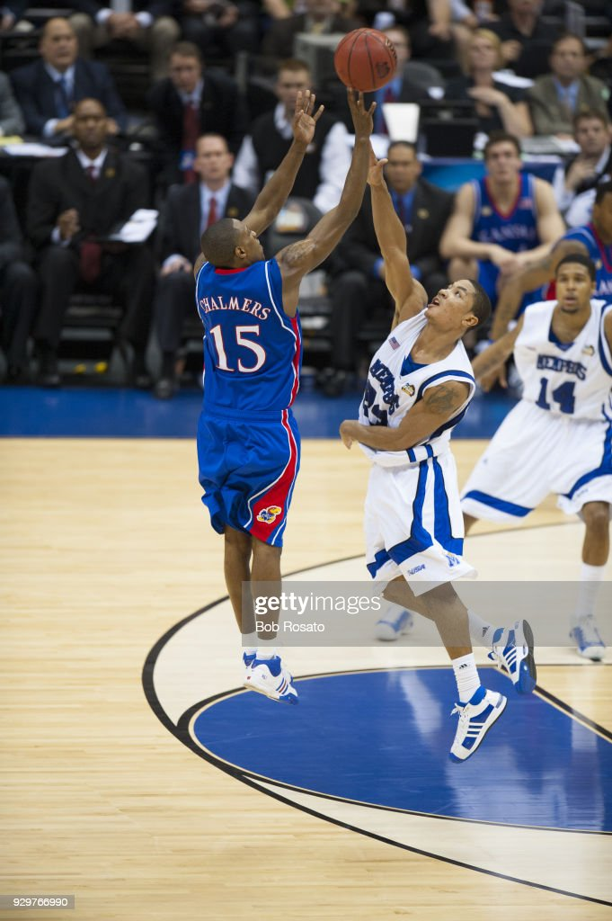 Kansas Mario Chalmers (15) in action, shooting 3 point shot vs Memphis Derrick Rose (23) at Alamodome. Chalmers ties with 3.6 seconds left to send the game into overtime. Sequence. Bob Rosato X80027 TK2 R22 F36 )