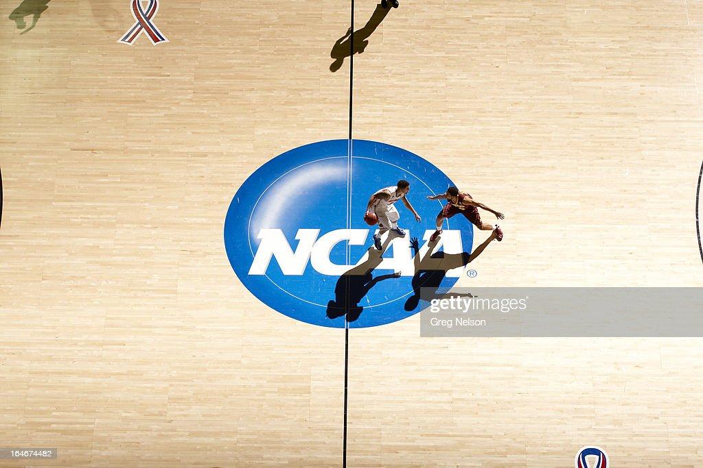 Aerial view of Florida Scottie Wilbekin (5) in action vs Minnesota Julian Welch (00) at Frank Erwin Center. Greg Nelson X156307 TK1 R17 F88 )