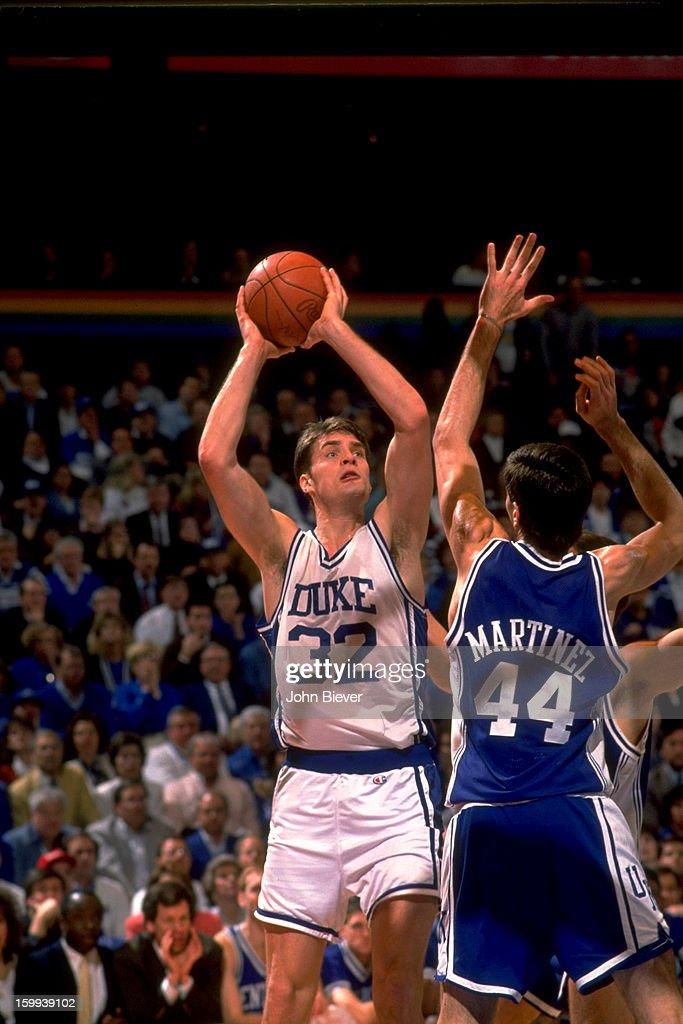Duke Christian Laettner (32) in action, shooting vs Kentucky at The Spectrum. John Biever X42666 )