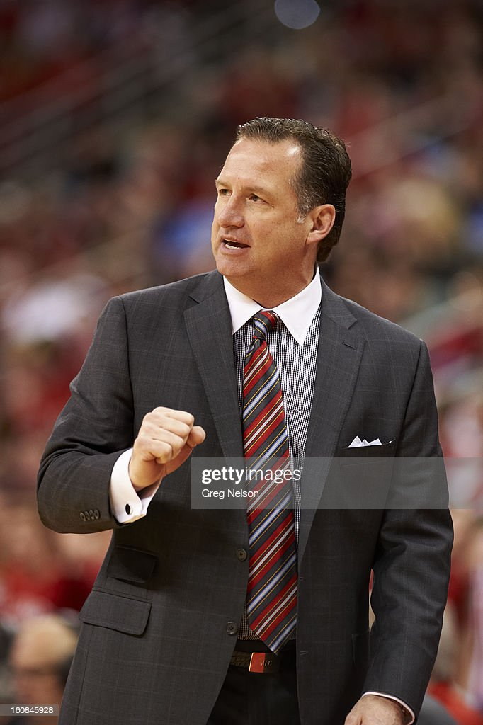 North Carolina State coach Mark Gottfried during game vs Miami at PNC Arena. Greg Nelson F84 )