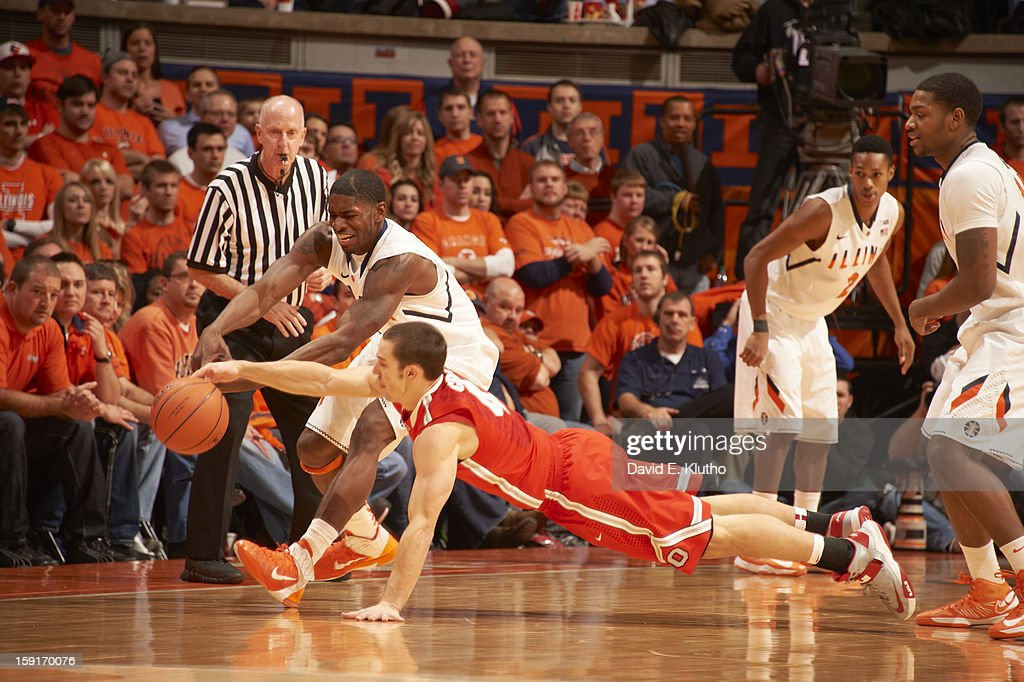 Ohio State Aaron Craft (4) in action, defense vs Illinois Brandon Paul (3) at Assembly Hall. David E. Klutho F36 )