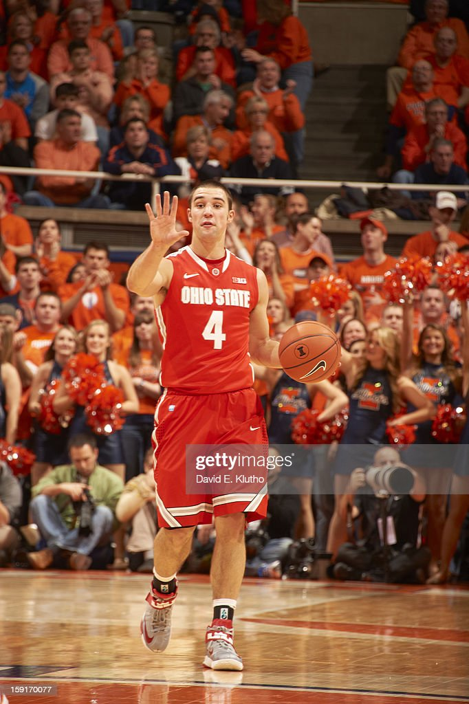 Ohio State Aaron Craft (4) in action vs Illinois at Assembly Hall. David E. Klutho F92 )