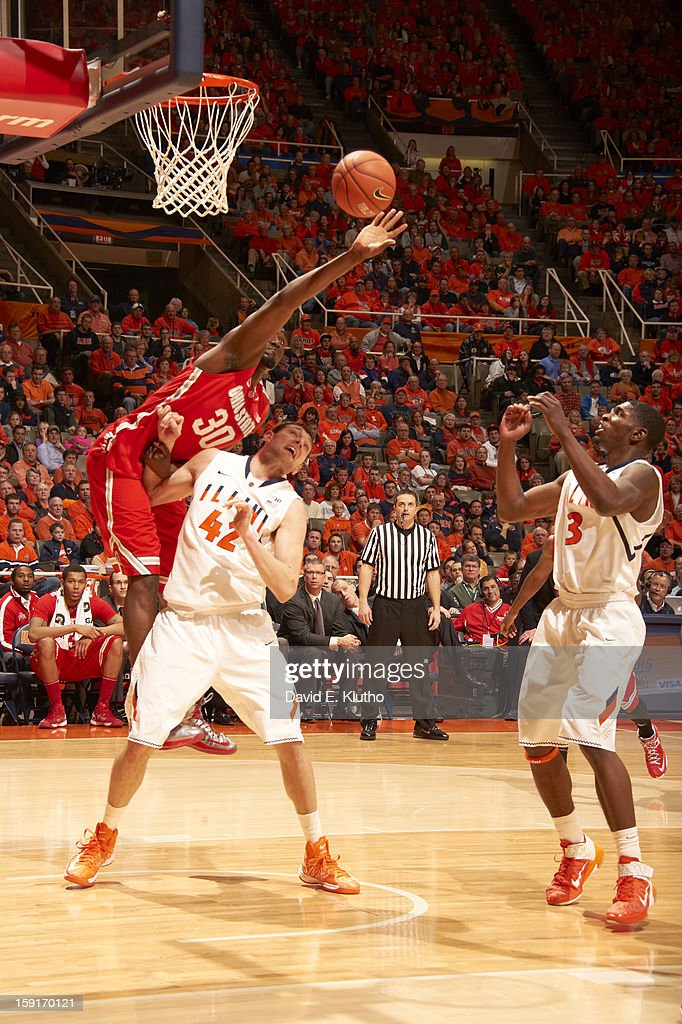 Ohio State Evan Ravenel (30) in action vs Illinois Tyler Griffey (42) at Assembly Hall. David E. Klutho F79 )