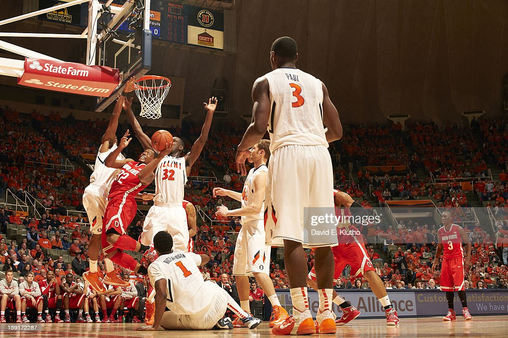 Ohio State Lenzelle Smith Jr. (32) in action vs Illinois at Assembly Hall. David E. Klutho F64 )