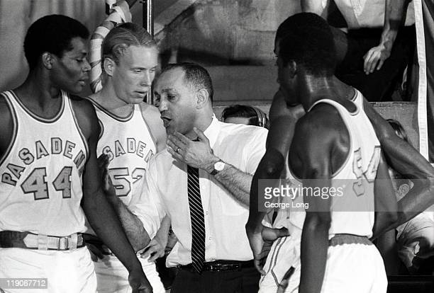 Pasadena City College coach Jerry Tarkanian with players during game vs Compton Community College at HuttoPatterson Gymnasium Pasadena CA CREDIT...