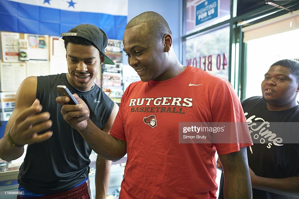 Portrait of former UNC-Wilmington player Tyree Graham at Forty Below Barber Shop. Graham, who has played at multiple colleges and high schools during his career, represents the high frequency of transfers over the last seven seasons. Simon Bruty F204 )