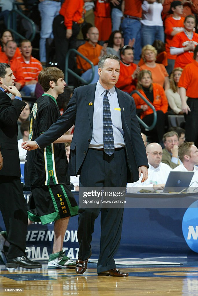College Basketball - Southeastern Louisiana head coach, <a gi-track='captionPersonalityLinkClicked' href=/galleries/search?phrase=Billy+Kennedy+-+Entrenador+de+baloncesto&family=editorial&specificpeople=15285545 ng-click='$event.stopPropagation()'>Billy Kennedy</a> against Oklahoma State during the First Round of the NCAA tournament in Oklahoma City, Okla., on March 18, 2005. Oklahoma State won the game 63-50.