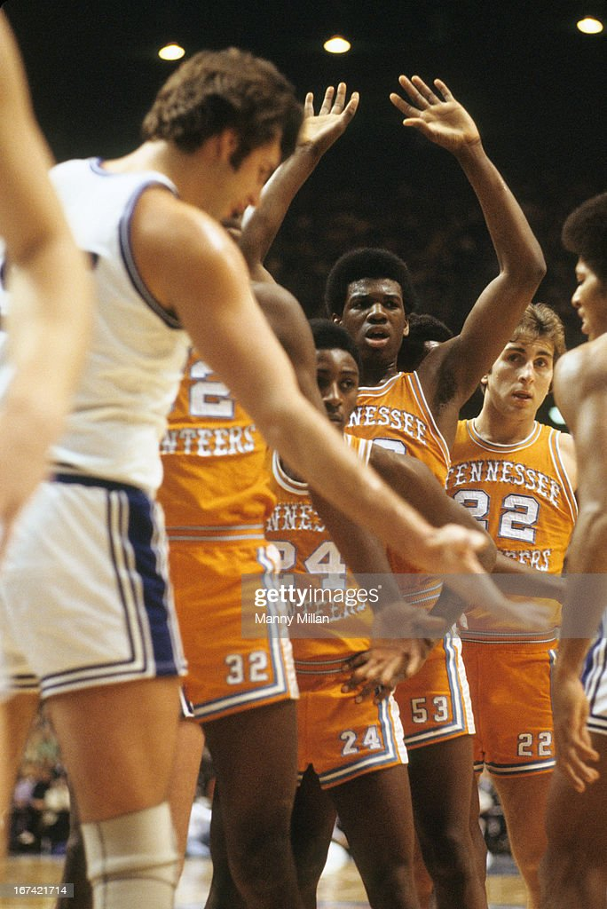 Tennessee Bernard King (53) and Ernie Grunfeld (22) lined up for inbound pass play during game vs Kentucky at Rupp Arena. Manny Millan F32 )