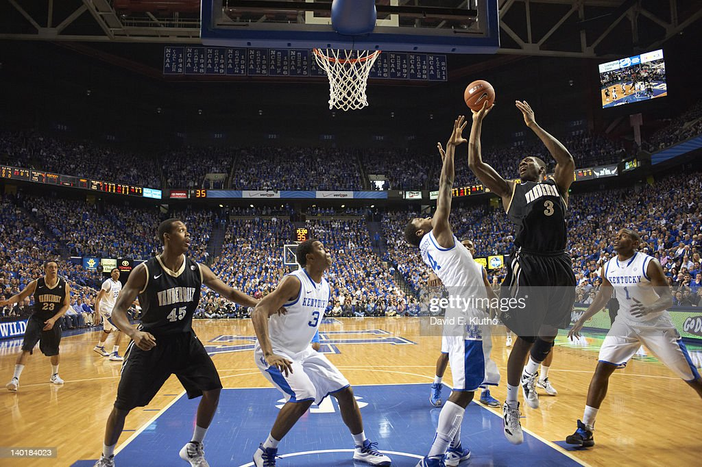 Vanderbilt Festus Ezeli (3) in action vs Kentucky at Rupp Arena. David E. Klutho F107 )