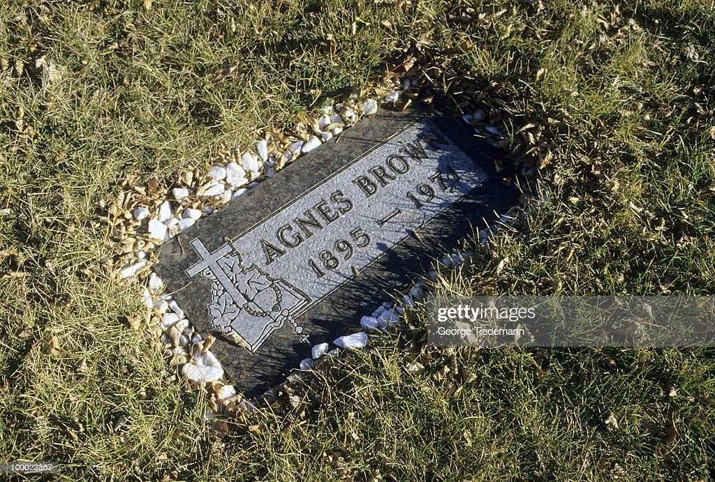 View of tombstone of Agnes Brown, mother of LSU coach Dale Brown. Minot, ND 9/20/1985