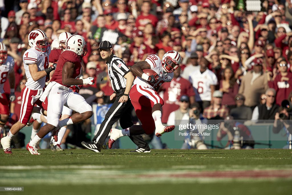 Wisconsin Montee Ball (28) in action, rushing vs Stanford at Rose Bowl. Peter Read Miller F493 )