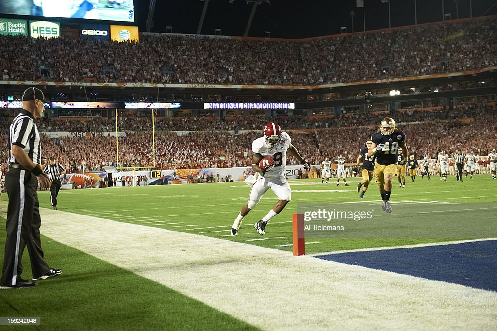 Alabama Amari Cooper (9) in action, running into endzone for touchdown vs Notre Dame at Sun Life Stadium. Al Tielemans F2 )