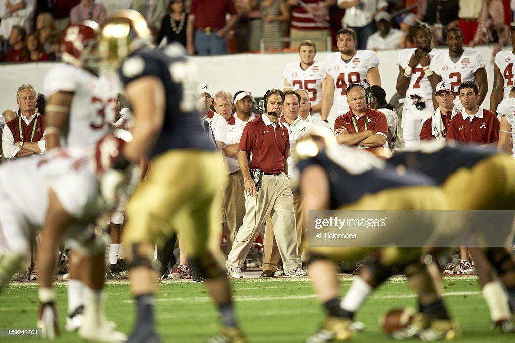 Alabama head coach Nick Saban on sidelines during game vs Notre Dame at Sun Life Stadium. Al Tielemans F91 )