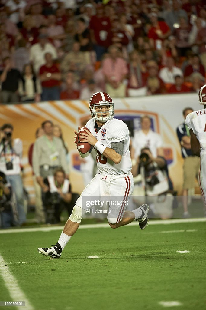 Alabama QB A.J. McCarron (10) in action vs Notre Dame at Sun Life Stadium. Al Tielemans F3 )