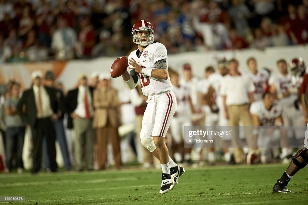 Alabama QB A.J. McCarron (10) in action vs Notre Dame at Sun Life Stadium. Al Tielemans F13 )