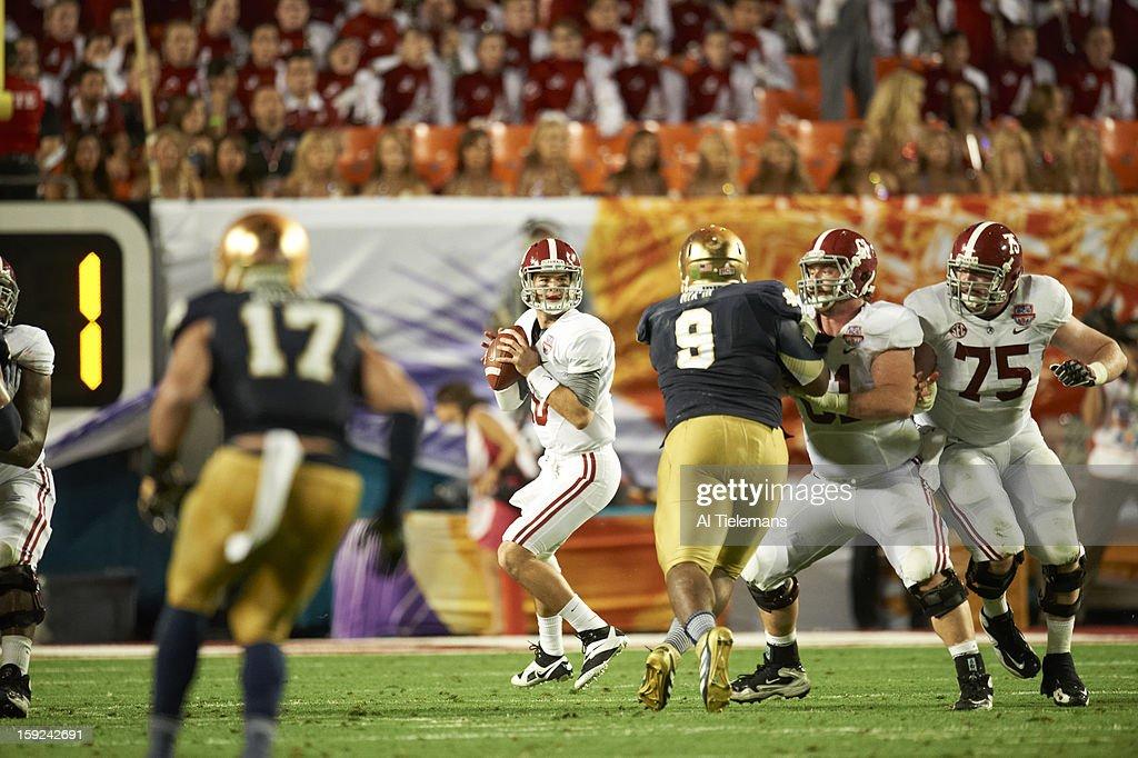 Alabama QB A.J. McCarron (10) in action vs Notre Dame at Sun Life Stadium. Al Tielemans F37 )