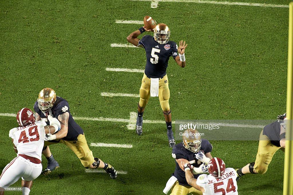 Notre Dame QB Everett Golson (5) in action, passing vs Alabama at Sun Life Stadium. Gary Bogdon F122 )